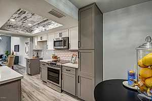 More Details about MLS # 5670120 : 5830 N 12TH PLACE #8