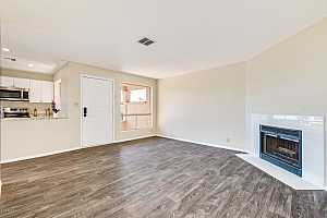 MLS # 5845232 : 433 BLACKHAWK UNIT 5