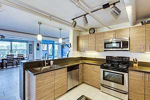 MLS # 5852814 : 535 THOMAS UNIT 211