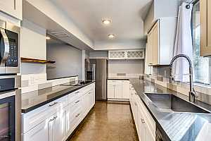 MLS # 5857605 : 3242 CAMELBACK UNIT 105