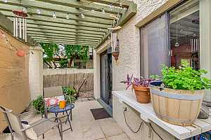 MLS # 5858979 : 8821 48TH UNIT 3