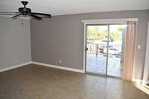 MLS # 5863976 : 4041 CAMELBACK UNIT 11