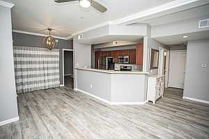 MLS # 5869047 : 3236 CHANDLER UNIT 2026