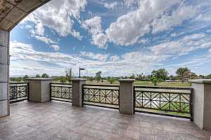 MLS # 5870591 : 2 BILTMORE UNIT 203