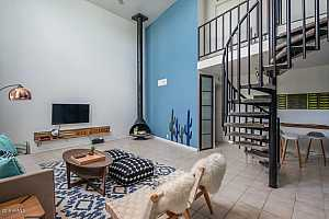 MLS # 5886653 : 385 PIERSON UNIT A2