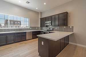 MLS # 5890288 : 4438 27TH UNIT 6