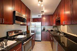 MLS # 5899302 : 1261 MARYLAND UNIT B