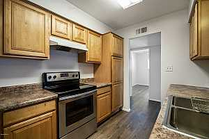 MLS # 5905899 : 240 OLD LITCHFIELD UNIT 220
