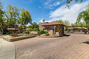 MLS # 5916805 : 20660 40TH UNIT 2180