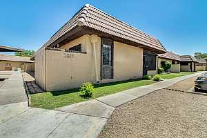 MLS # 5919731 : 9025 ELM UNIT 4