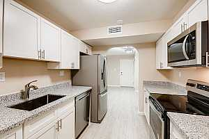 MLS # 5943101 : 3825 CAMELBACK UNIT 173