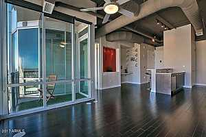 MLS # 5554809 : 1 LEXINGTON UNIT 1307