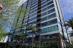 MLS # 5592863 : 1 LEXINGTON UNIT 1101