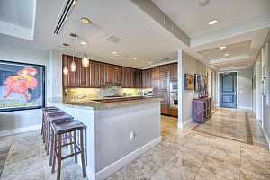MLS # 5667808 : 2211 CAMELBACK UNIT 206