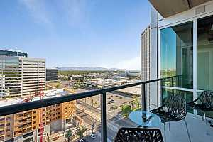MLS # 5569869 : 1 LEXINGTON UNIT 1302