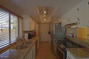 MLS # 5705804 : 4814 HAZEL UNIT 3