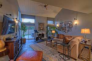 MLS # 5731009 : 4434 CAMELBACK UNIT 141