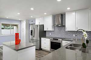 More Details about MLS # 6026615 : 2607 E BEEKMAN PLACE