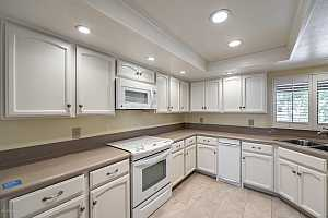 More Details about MLS # 6130616 : 5330 N CENTRAL AVENUE #18