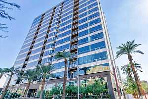 MLS # 5579577 : 1 LEXINGTON UNIT 1011