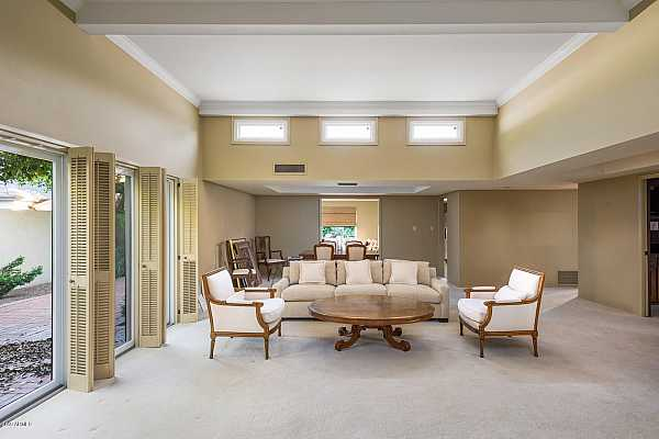 Photo #5 Featuring Vaulted Ceilings & Skylights