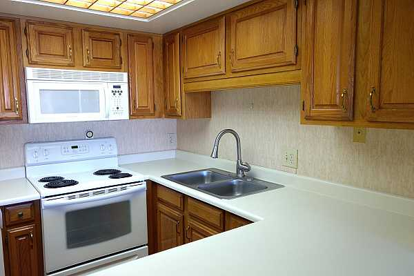 Photo #6 Nice counter space