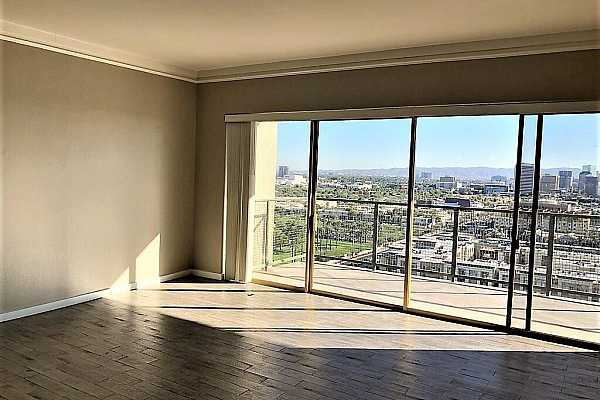 Photo #9 9 View to Living Room