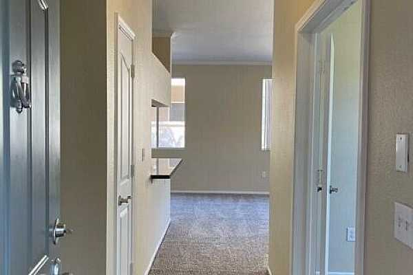 Photo #3 Entryway Hall to Unit