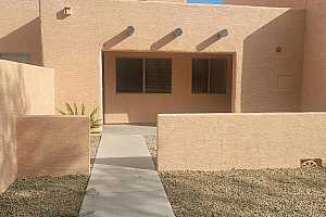 Browse active condo listings in PEORIA